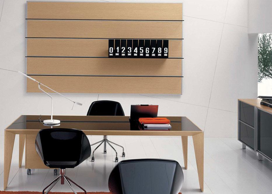 Come arredare il mio ufficio l 39 eleganza delle scrivanie - Mobili in cristallo ...