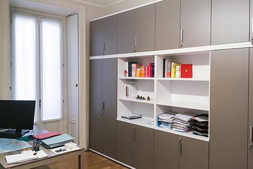 Arredamento studio legale moderno con mobili su misura e for Mobili studio moderno